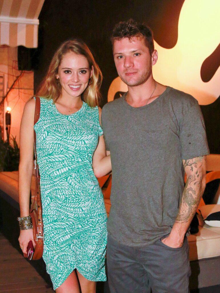 Elsie Hewitt Girlfriend of Ryan Phillipe Net Worth