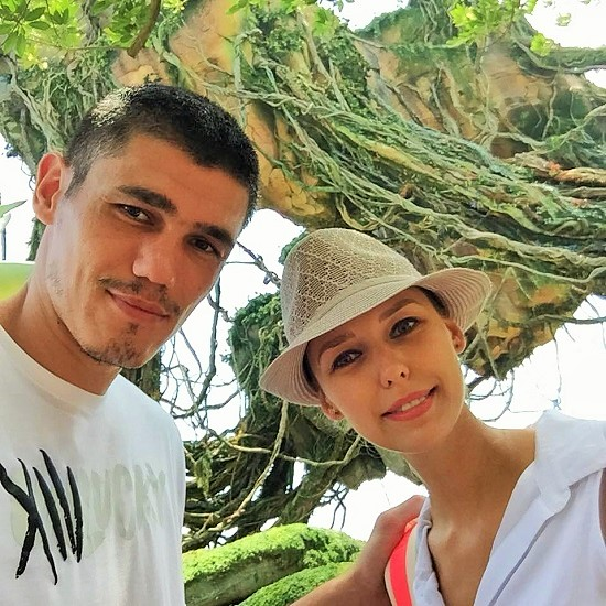 Ersan-Ilyasova-wife-Julia-Ilyasova and net Wrth