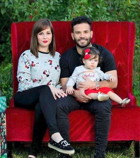 Jose-Altuve-with-wife-and-daughter-Melanie-A.-Altuve
