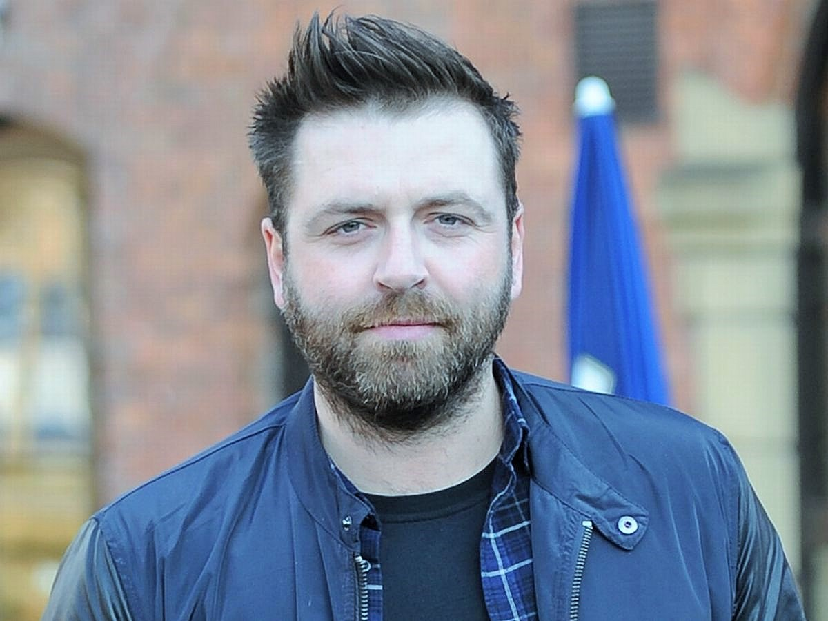 Mark-Feehily and Net worth With friends